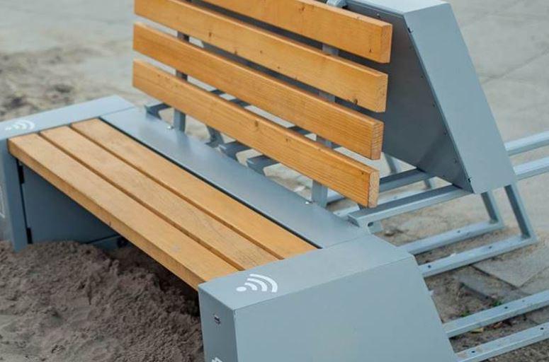 Możliwości ławek solarnych