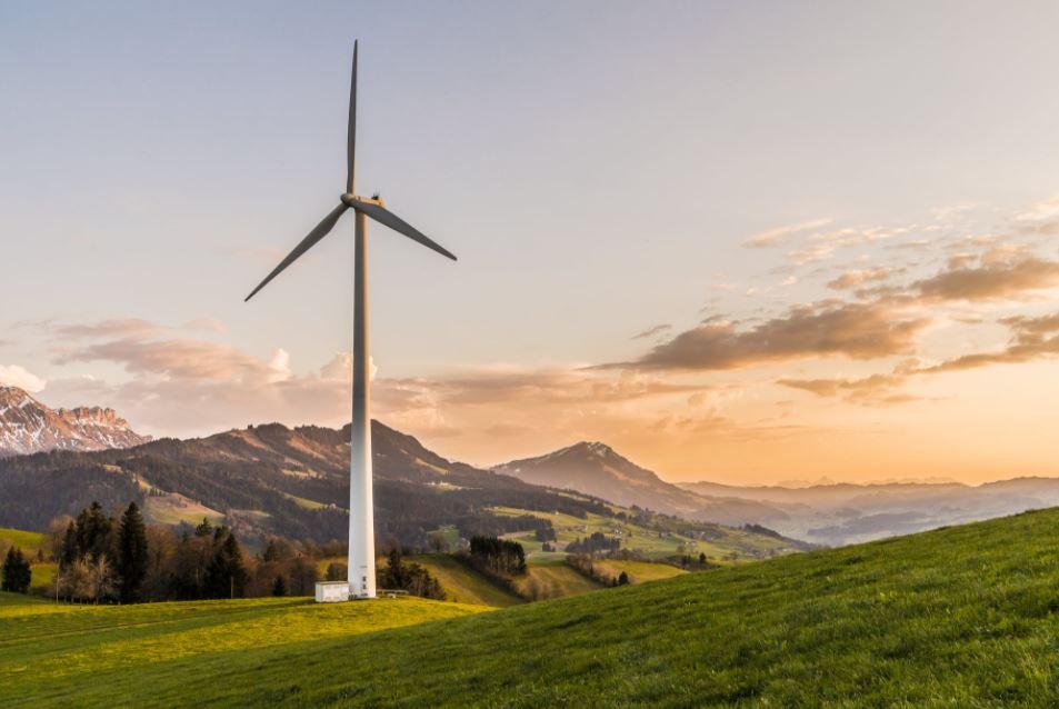 Pionowa turbina wiatrowa – energia także dla gospodarstw domowych